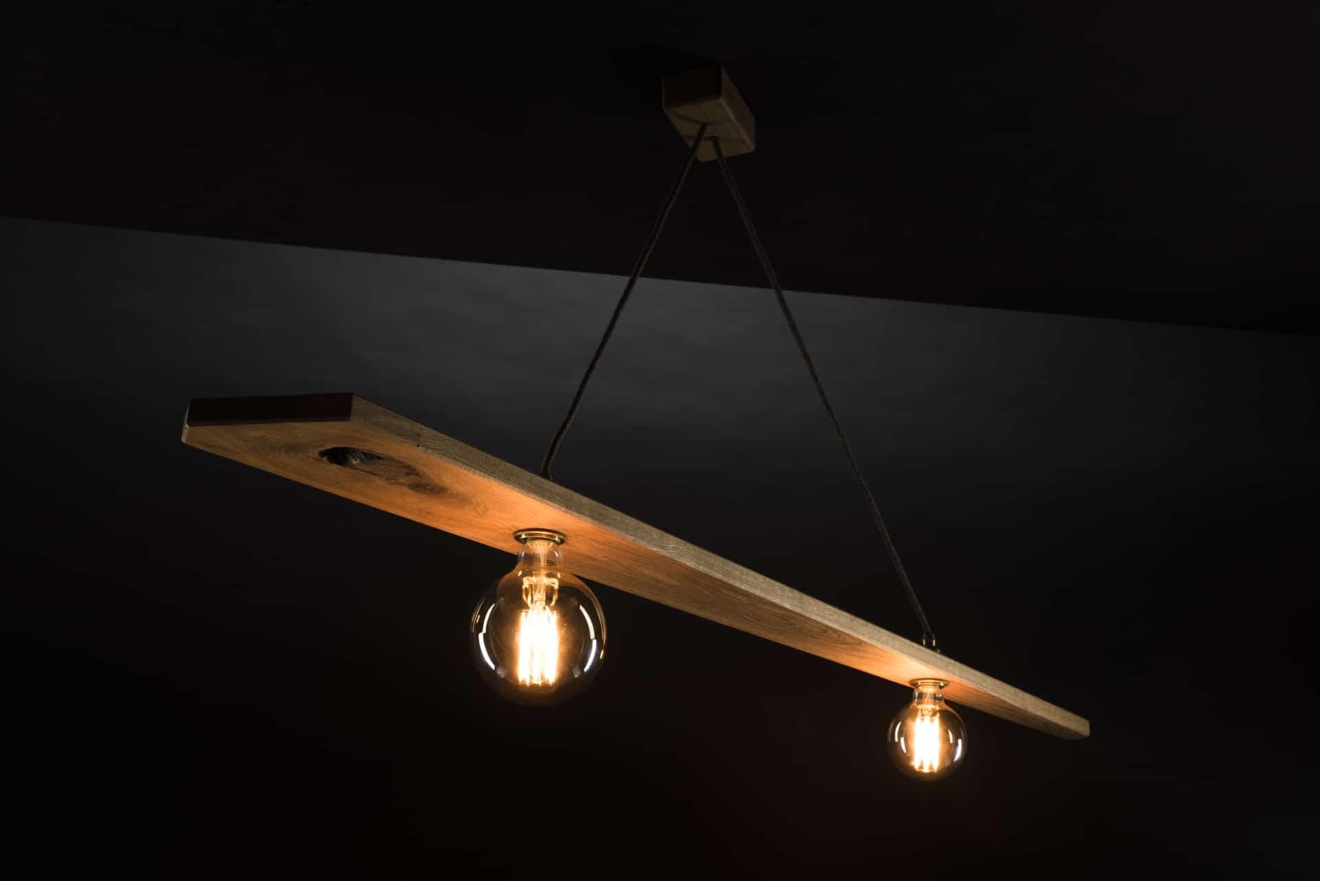 Hängeleuchte – Zwillingsleuchte – Verschnitt – Eichenholz – Produktansicht