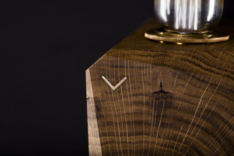 Stehleuchte – Verschnitt Kubusleuchte stehend – Eichenholz – Detailansicht