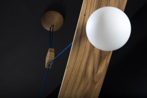 Hängeleuchte – Bogenlampe – Verschnitt – Eichenholz – Detailansicht