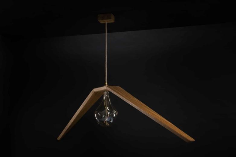 Hängeleuchte – Albatros – Verschnitt – Eichenholz – Produktansicht